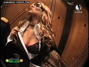 Natalia Graciano elevator strip video