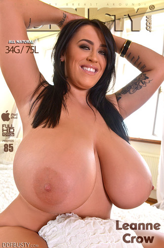Leanne Crow – Mega Busty British Goddess Gets Naked On Bed FullHD 1080p