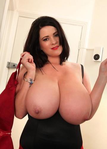 Rachel Aldana – Massive Tits Red Satin Bra 5D 1 720p