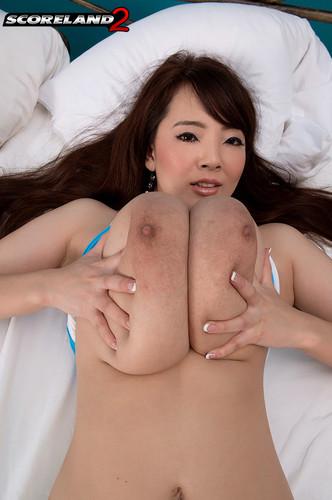 Hitomi Tanaka – Busty Asian Morning delight HD 720p