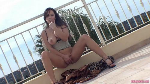 Lucy Nunvarova - Balcony Babe